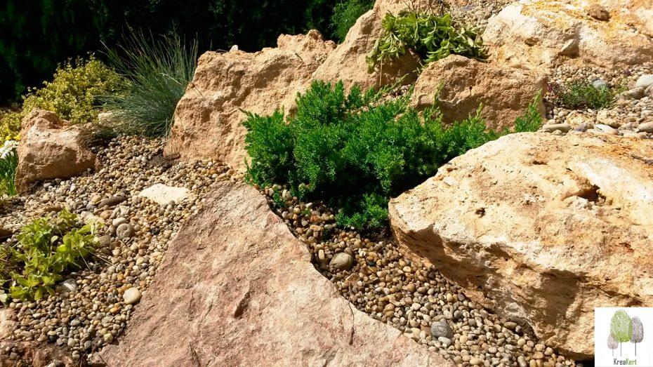 Új sziklakert